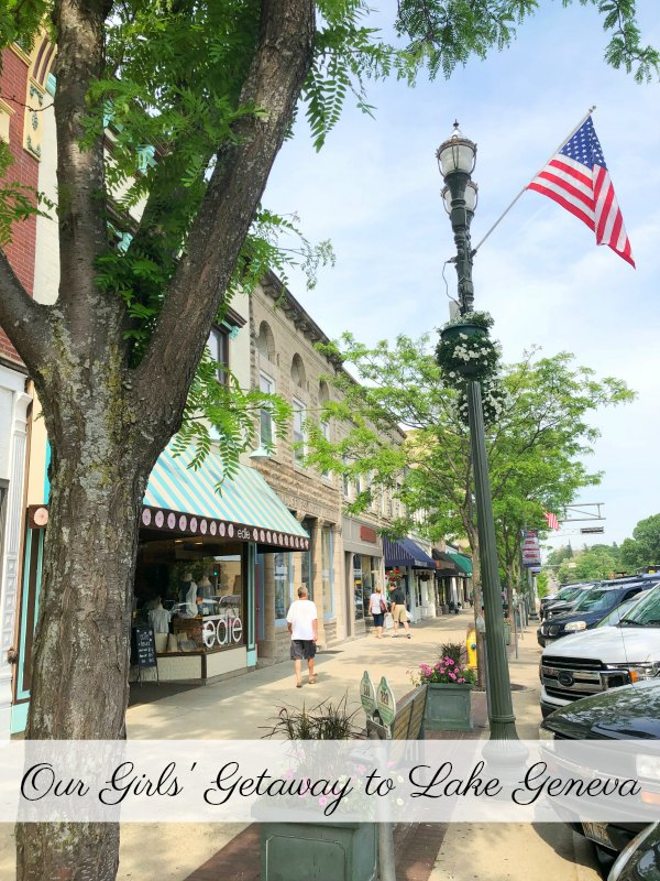 Lake Geneva, WI is a great place for a relaxing girls' getaway. Check out all of the fun things to do in this quaint Wisconsin town. #Wisconsin #hosted #vacation