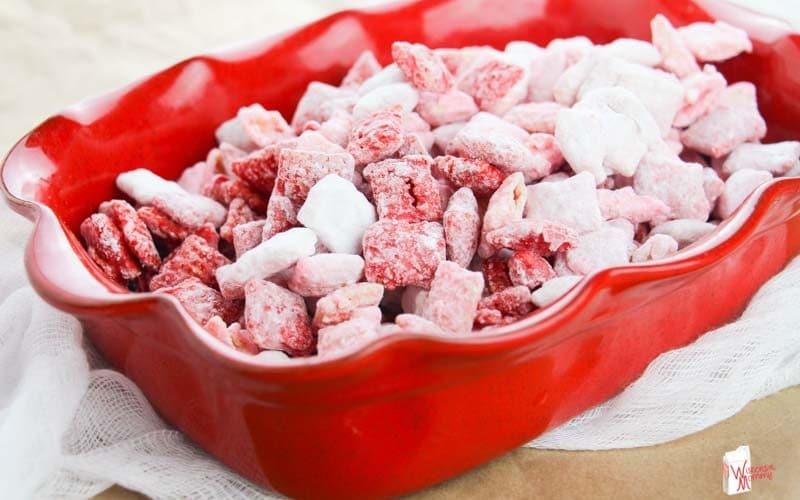 Valentine's Puppy Chow Recipe