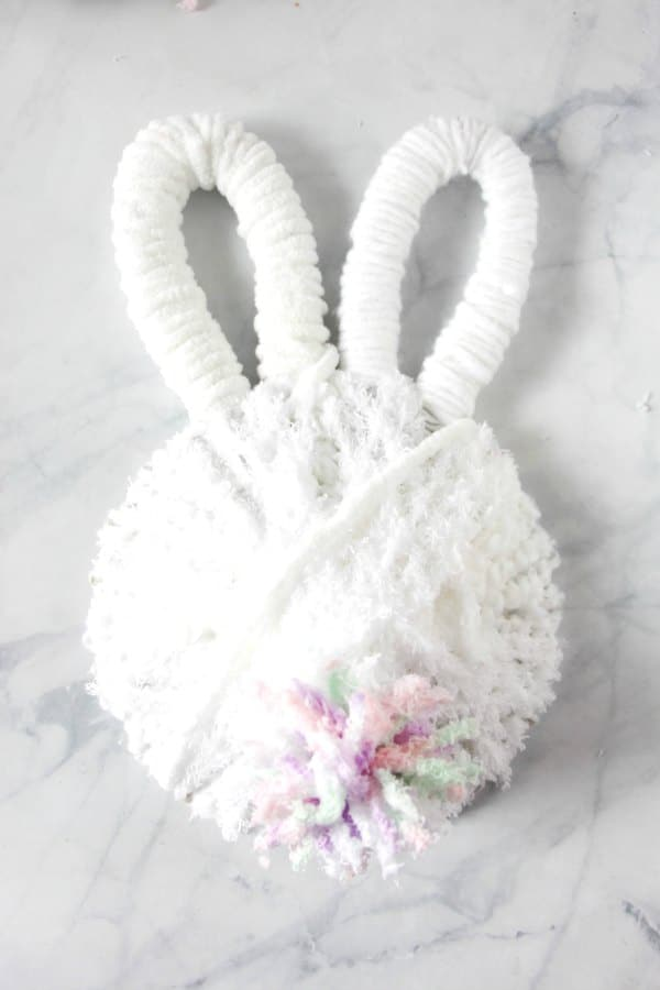 completed bunny butt wreath