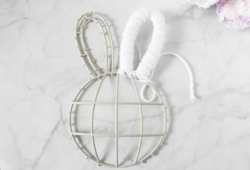 steps to making a bunny butt wreath